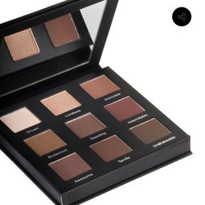 BNIB Realher play book shadow pallet nudes